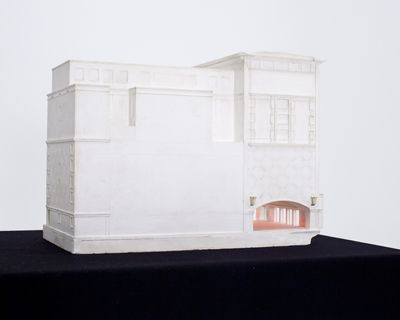 Cecilie Skov, Stærekassen, 2015. Original model of Theatre Stærekassen - borrowed and repaired, spotlight, healing séance. Photo: Rebecca Krasnik.